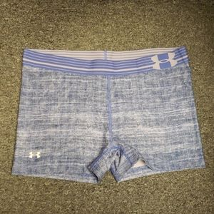 💞 Like new Women's Under Armour shorts size L